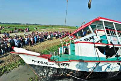 Launch-capsizes