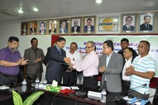 BGMEA signs two agreements on issuance of digital CoO, biometric ID cards