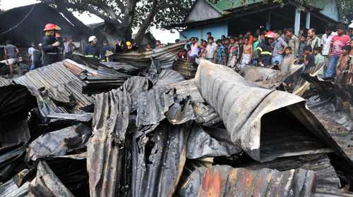 Four plastic warehouses gutted in Bangladesh capital