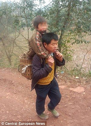 Chinese dad carries disabled son 18 miles to school every day
