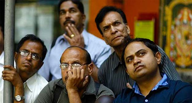 Sensex slips below 25,000, tanks 176 points in early trade