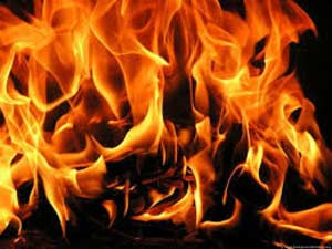 Sweater factory catches fire in Bangladesh