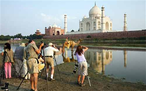 Rise in tourists from Bangladesh to India