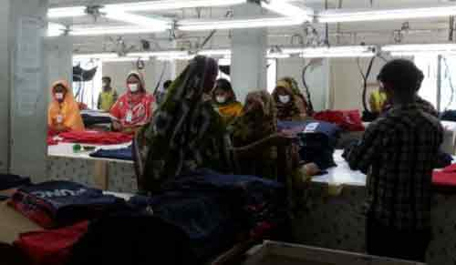 Over 100 RMG workers hurt in Bangladesh quake panic