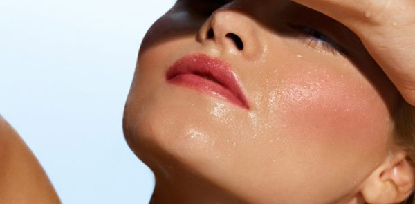 Worried over oily skin, get the remedy!