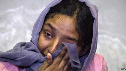 8,000 Bangladeshis, Rohingyas stranded off Thailand
