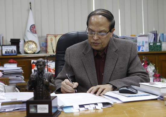Governor says Bangladesh Bank works for all not a certain quarte