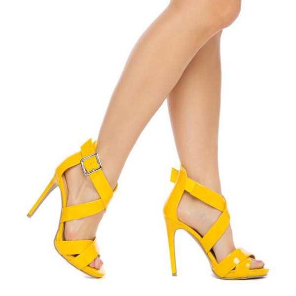 Use Lemon, Honey, Aloe Vera to say goodbye to leg spots