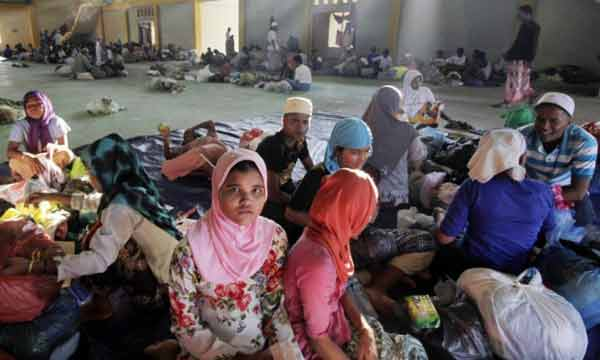 Rohingya refugees to 'go back to your country': Malaysia