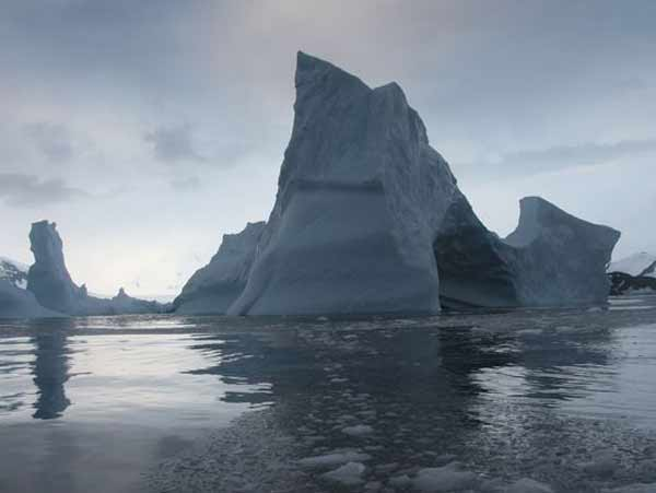 Antarctic ice shelf could collapse by 2020: NASA