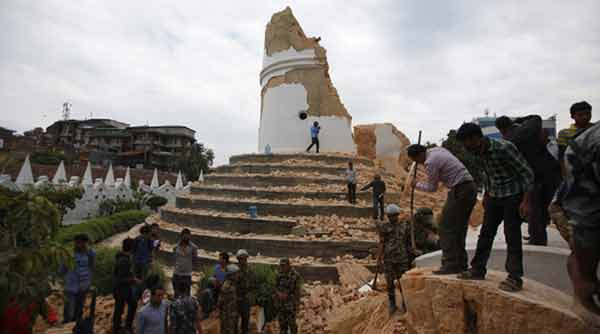 US marines and aircraft reach Nepal