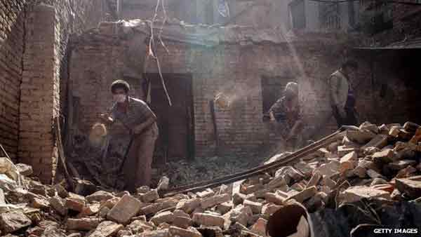 'No more' Nepal quake survivors, death toll rises over 6,500