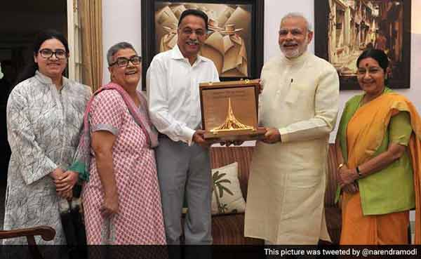 Modi hands over Bangladesh war honour to Vajpayee
