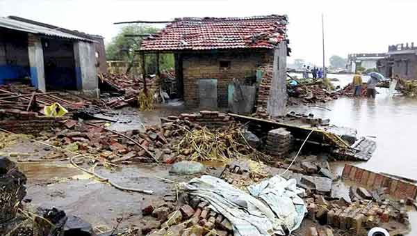 Monsoon rains cause havoc in India