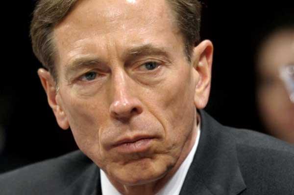 Politics can defeat IS: Petraeus