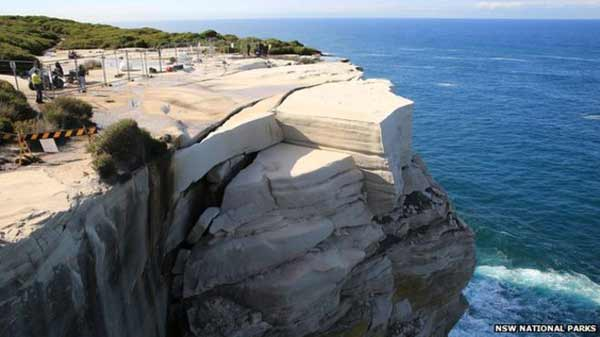 Sydney tourist site 'could collapse'