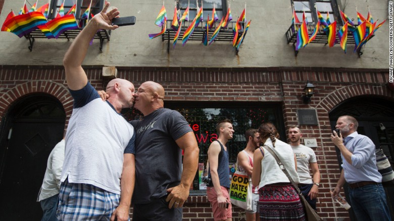 Gay marriage now legal across US