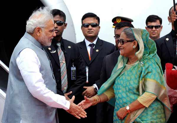 Bangladesh seals deals for 4,600MW plants with India
