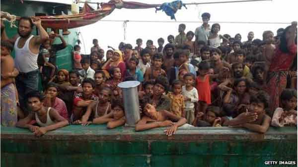 '21,000 Rohingya flee to Bangladesh from Myanmar'