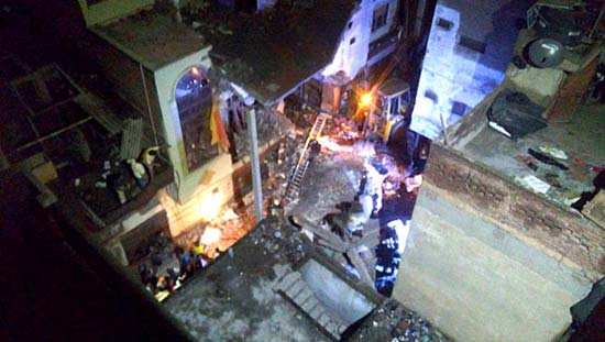 Building collapse kills 5 in Indian capital