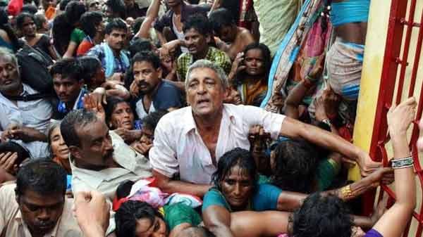 India stampede 'kills 22 pilgrims'