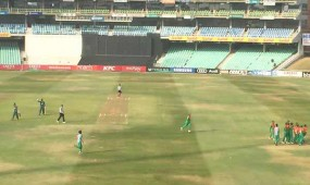 South Africa loss 2 early wickets