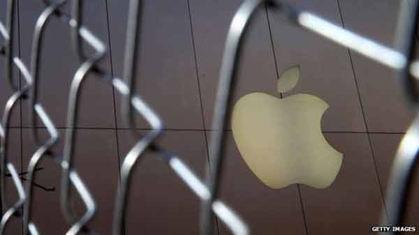 Apple warns iPhone sales set to fall