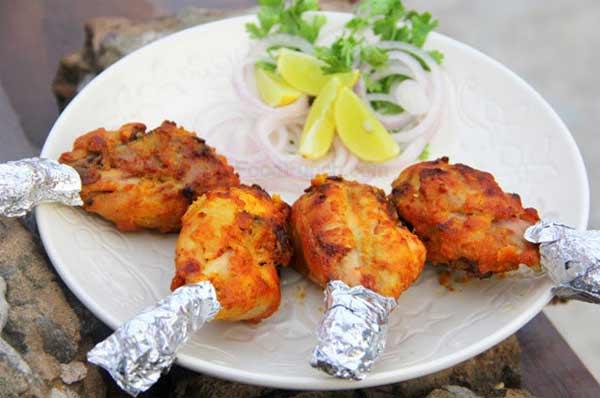 Grilled chicken drumsticks with few ingredients