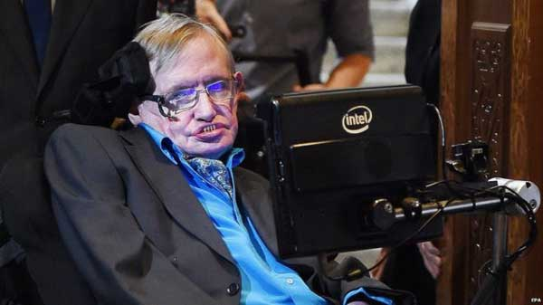 Hawking: Black holes store information