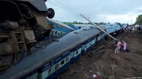 31 killed as flash flood derails 2 trains in India