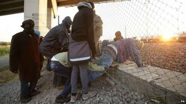 UK and France seek EU help over calais