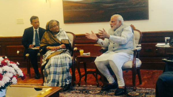 Hasina conveys condolence to Pranab, meets Modi