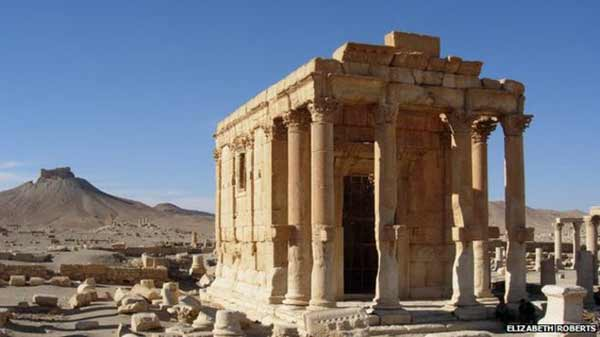 Palmyra's temple 'blown up by IS'