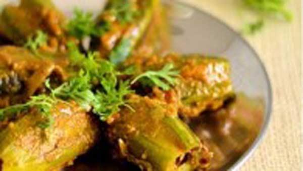 Potoler Dolma, a bengali dish