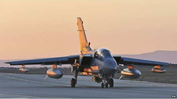 UK to extend air strikes against IS