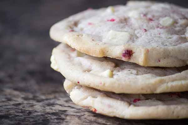 Raspberry cream sandwich cookies is absolutely a delicious food tha ...