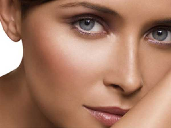 9 Ways to keep your skin looking young