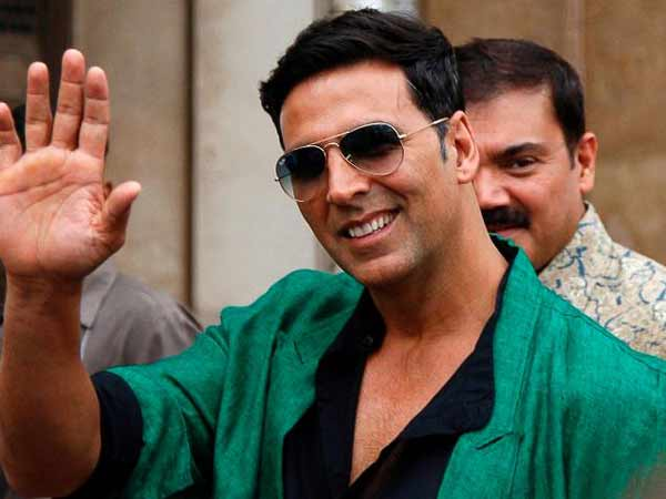 On 48th birthday, Akshay Kumar announces new film 'Rustom'