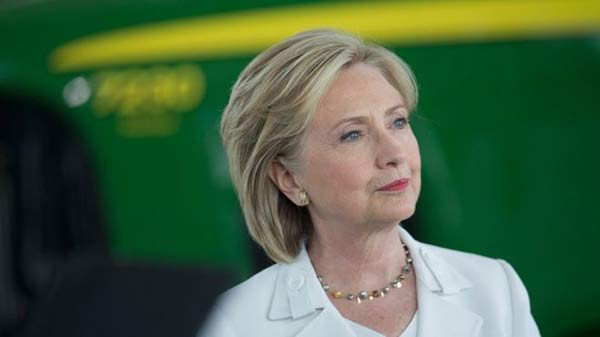 Hillary says she regrets using private email