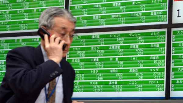 Asia stock markets fall on Wall Street slide