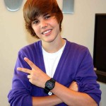 Bieber scores first UK number one single