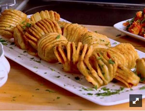 Crispy and tasty hasselback roasted potatoes