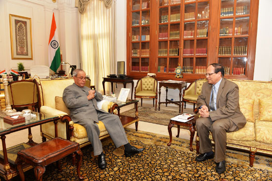BB governor calls on Indian President Pranab Mukherjee