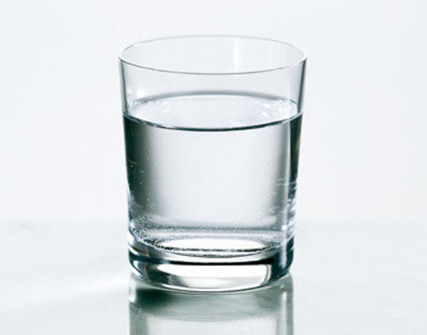 10 Glasses of water a day to cut fat