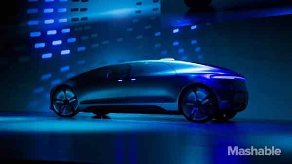 Mercedes mulls over limo service with driverless cars