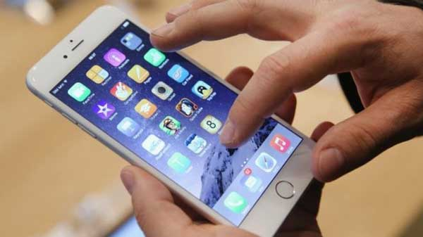 Apple 'to start making iPhones in India'