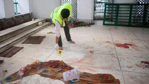 IS claims Bangladesh Shia shrine bombing that killed teen