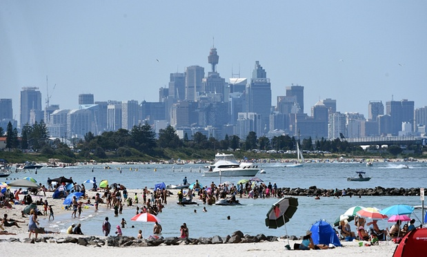 Records broken as temperatures soar up to 38 degrees across Australia