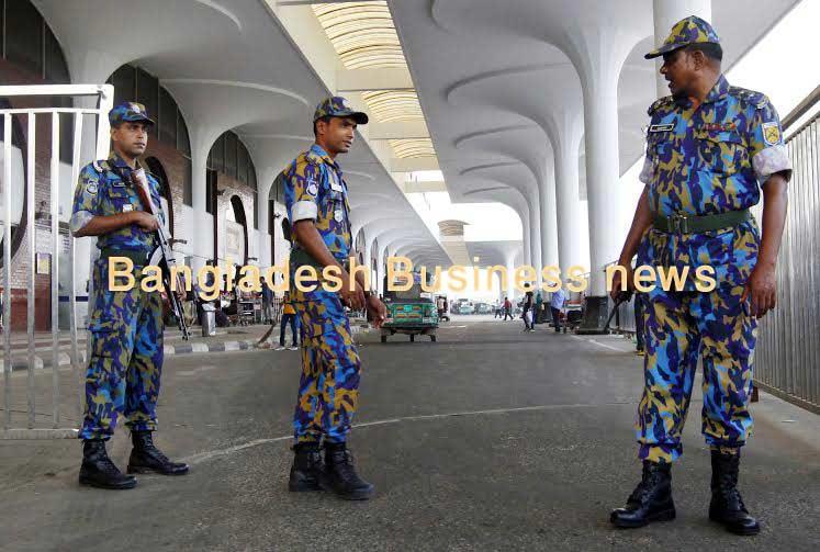 Bangladesh arrests 900 in crackdown on Islamist militants