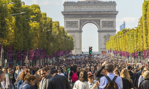 First car-free day in Paris results in lower air and noise pollution